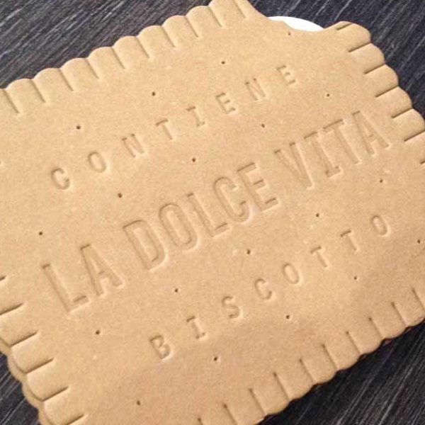 Brochure-emboutissage-forme-marquage-sec-petit-lu-biscuit