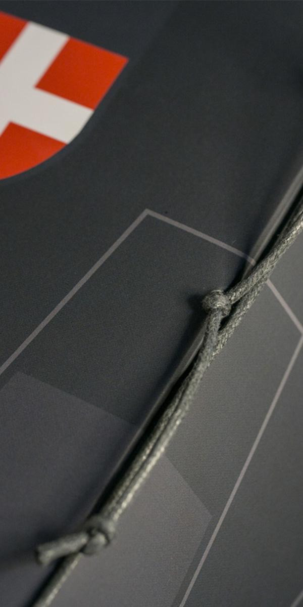 Reliure-corde-menu-carte-des-vins-600x1200