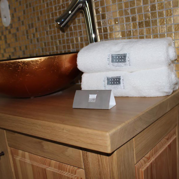 hotel-conception-chevalet-resistant-eau-ecologie-salle-de-bain