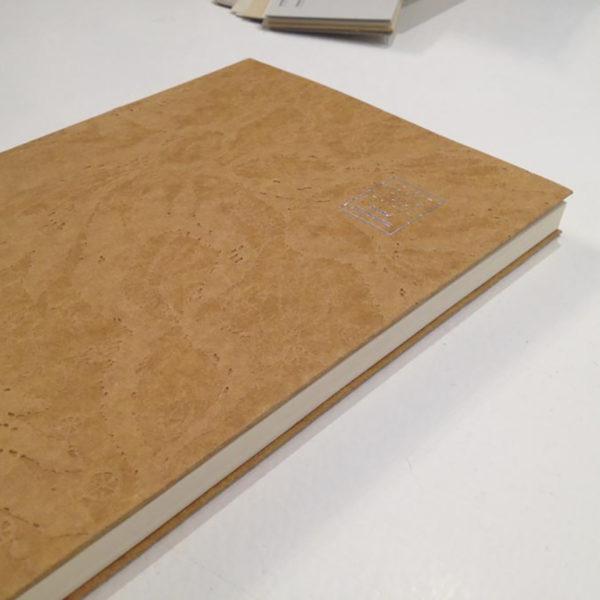 livre-dos-carre-cousu-couverture-texture-imprimeur-luxe