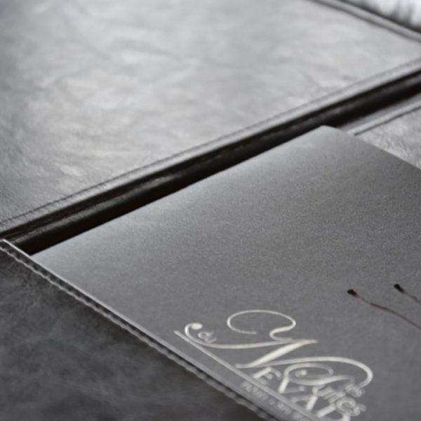 livre-luxe-papier-creation-laser-papier-reliure-pique-2-point
