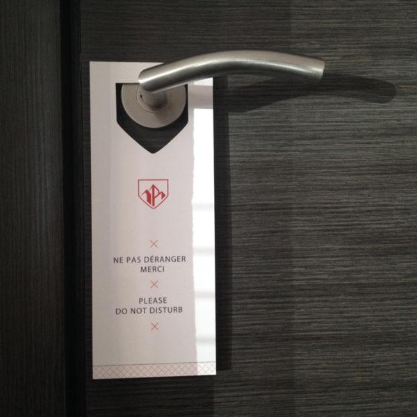 ne-pas-deranger-papier-carton-hotel