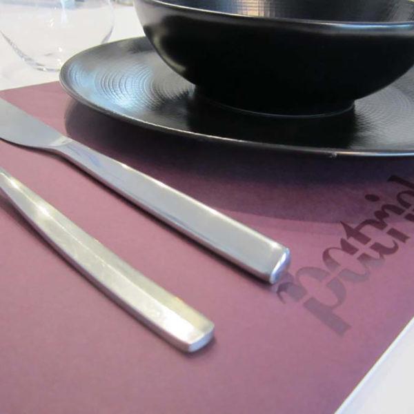 set-de-table-luxe-vernis-odorant-