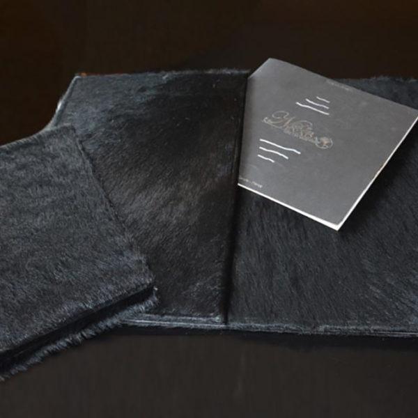 sous-main-sur-mesure-cuir-veritable-poil-luxe-personalisation-hotel