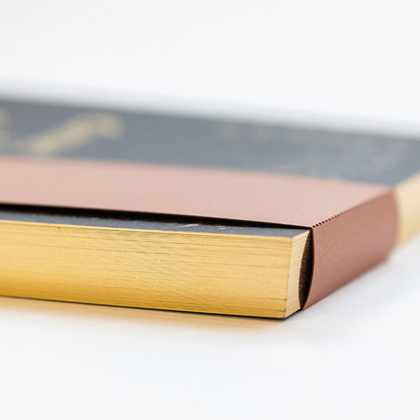tranche-or-luxe-carnet-avec-bandeau-1200x600