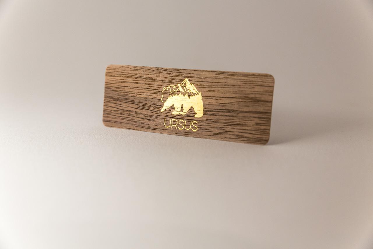 Carte-de-visite-bois-marquage-chaud-or-ursus-maisonbouvier