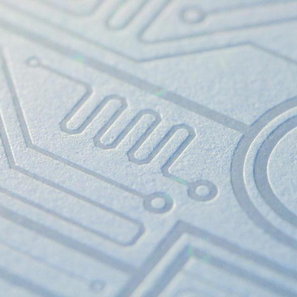 Marquage-a-chaud-holographique-dorure-luxe-carte-de-visite-plaquette-haut-de-gamme