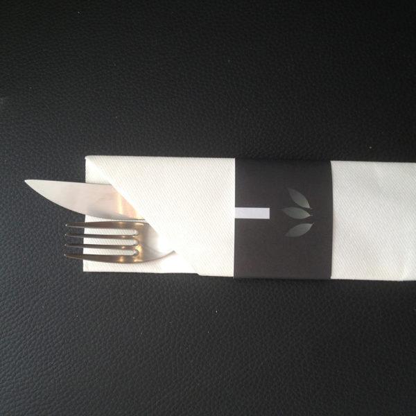 Pochette-a-couvert-serviette-Airlaid-nontissee