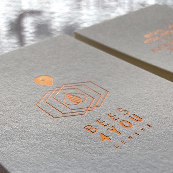carte-visite-luxe-papier-naturel-marque-chaud-600x600