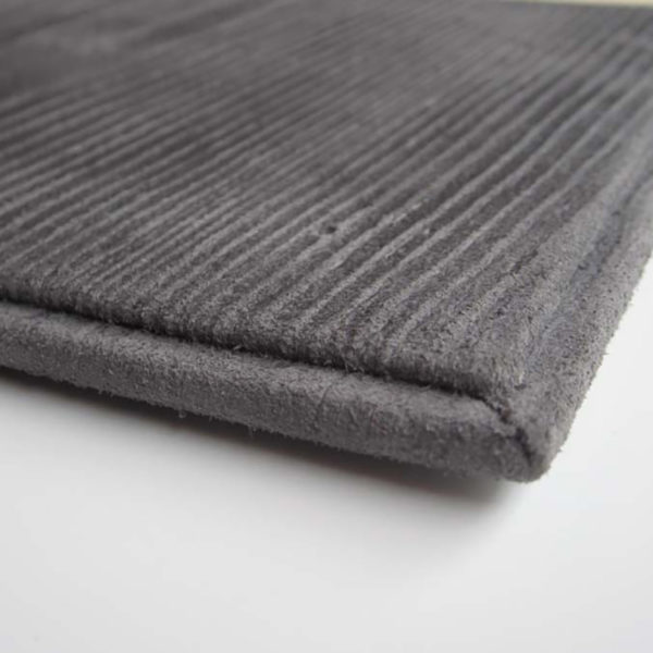 fabrication-couverture-en-cuir-caviste