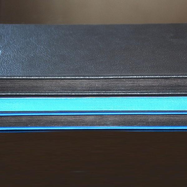 imprimerie-savoie-agenda-carnet-brief-cuir-marquage-chaud-reliure-tranche-couleur-argent-1