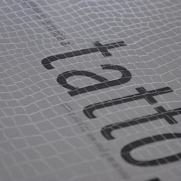imprimerie-savoie-papier-texture-serpent-ecaille-animal-sensation-tactile-reflet-5