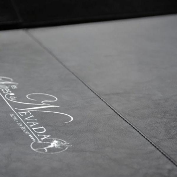 in-pressco-imprimeur-porte-menu-carte-cuir-poil-cèpe-hotel-restaurants-luxe-savoie-11