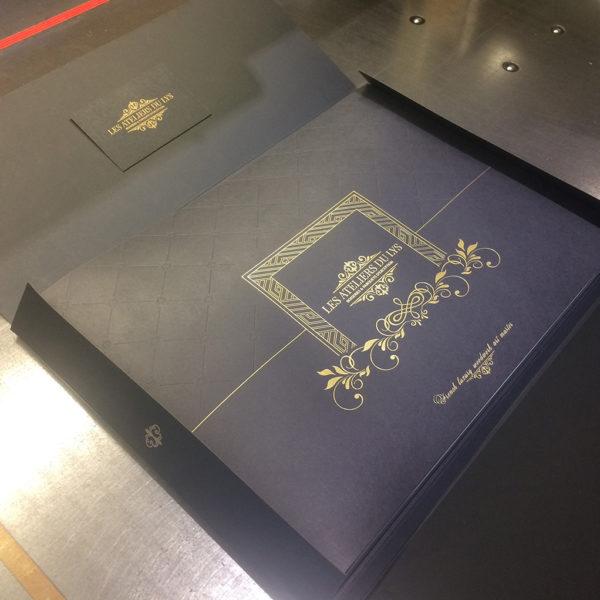 pochette-enveloppement-brochure-rabats-sur-mesure