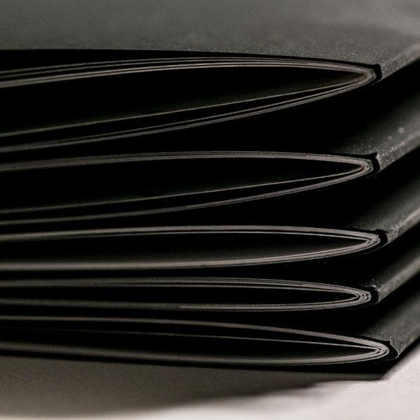 reliure-invisible-agraphe-couleur-noir