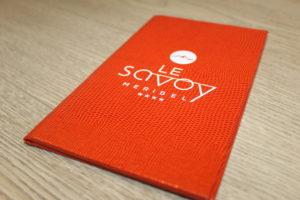 porte carte en cuir rouge